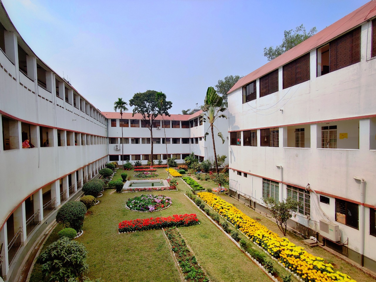 DhakHoly Family Red Crescent Medical College Infrastructure & Campus